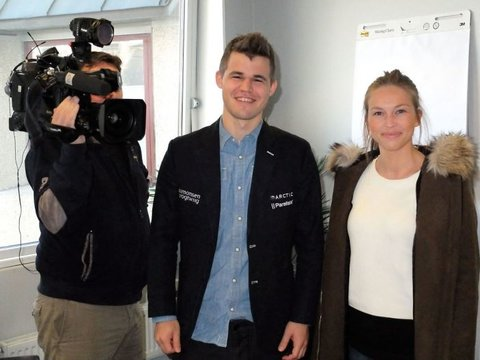 Magnus Carlsen in 2015 with Kaja Marie Snare, who has been hired by Play Magnus for the broadcasts of the Champions Chess Tour