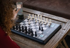 ChessUp promises a didactic electronic board and app