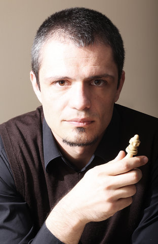 Duško Pavasović is the founder and CEO of [Chess Universe][1] and a grandmaster from Slovenia.      [1]: http://www.chess-universe.net
