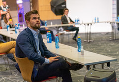 This Thursday Magnus Carlsen will be watching attentively how Play Magnus fares on its first day at the stock exchange.
